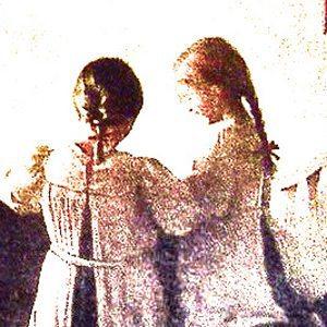 Blond-Carrie-Brunette-Carrie